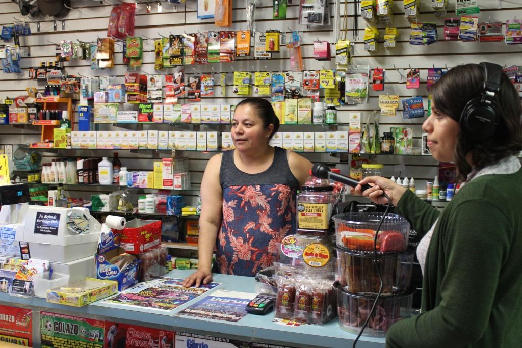 María Ramírez, trabajando en El Tapatio Market un .