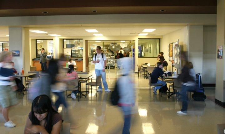 Estudiantes indocumentados en universidades de Nevada tienen recursos.