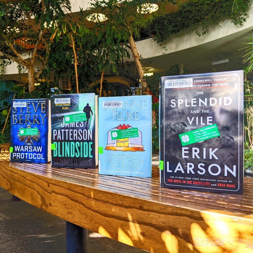 ejemplos de cuatro libros de las bibliotecas de Washoe