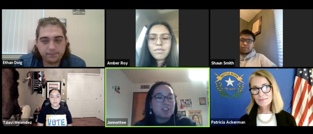 Seis pantallas en una llamada de video conferencia. Cinco son jóvenes nativos americanos. Una es Patricia Ackerman.