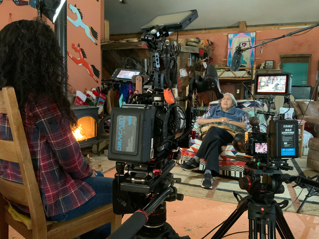 Tsanavi Spoonhunter entrevista por video a Peggy White Well Known Buffalo